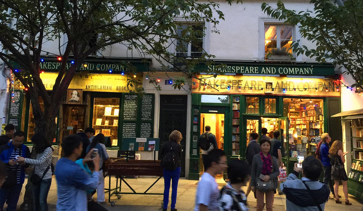 A Parisian Bookstore Review: Shakespeare & Co.